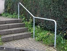 Haltehilfe für offene Treppen, Aluminiumbügel