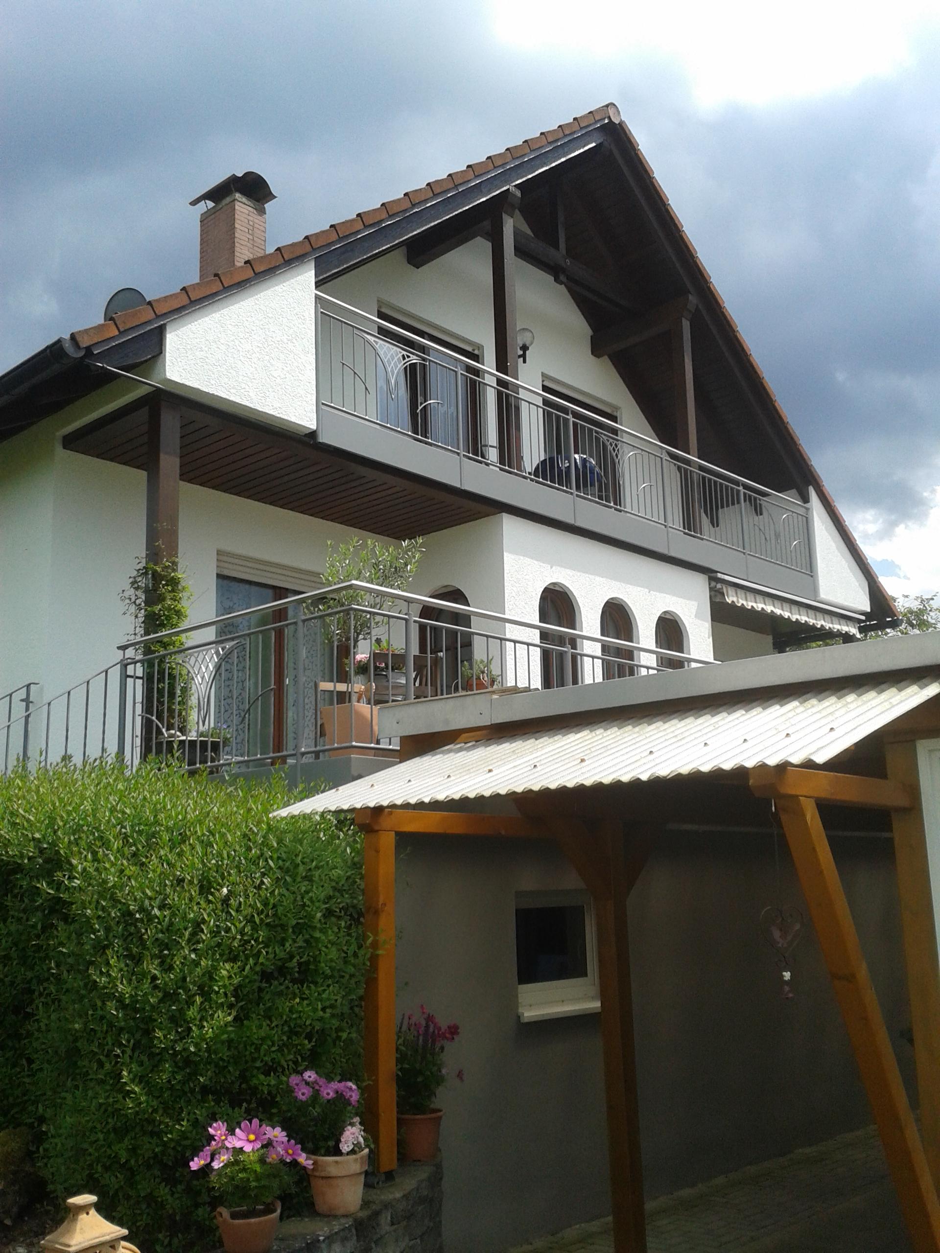 Anbaubalkone Metall : Der Anbaubalkon ist eine stilvolle Erweiterung Ihres Hauses, welcher ...