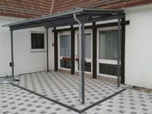 Vordach, Glas, mit Dachrinne